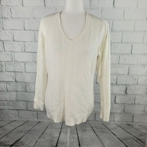 Basic Editions - off white knit V-neck sweater